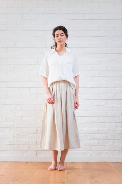 CASANDVITAのリネンシャツとリネンスカート